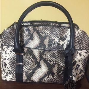 Snake skin print shoulder bag